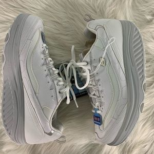 Skechers Shoes - NWT Skechers Shape-Ups Comfort Shoes Size 10